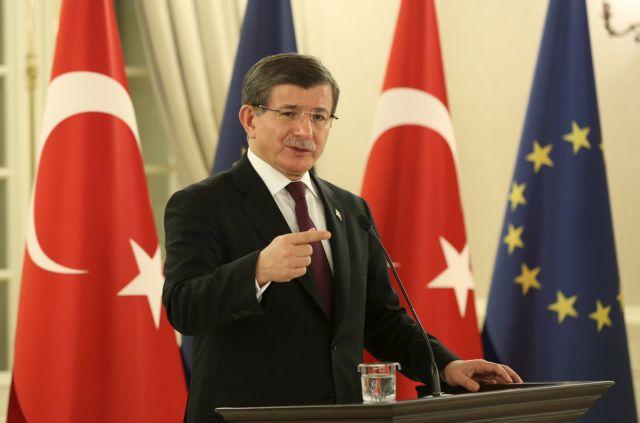 Νταβούτογλου: Η Τουρκία δεν θα γίνει ανοιχτή φυλακή για μετανάστες   tanea.gr