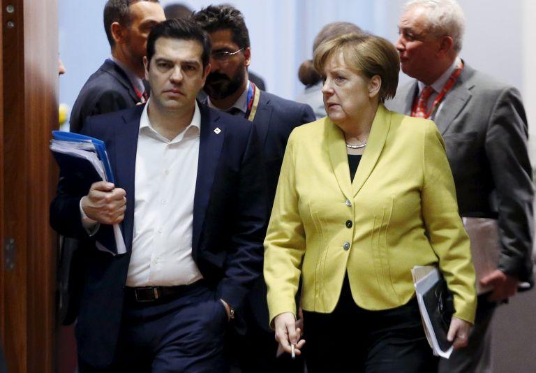 Συμφωνία ΕΕ - Τουρκίας: Επαναπροώθηση όσων φθάνουν στα ελληνικά νησιά   tanea.gr