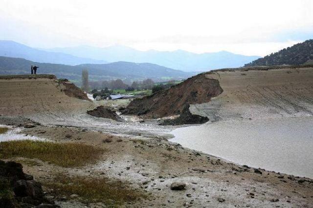 Καταστροφές από την υποχώρηση του φράγματος Σπαρμού στον Ολυμπο | tanea.gr
