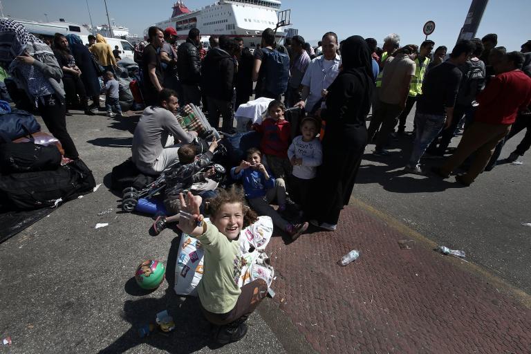 Οριακές καταστάσεις σε Πειραιά και Ειδομένη - Ενταση στη Μυτιλήνη | tanea.gr
