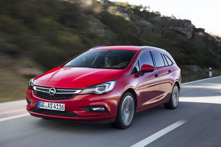 Opel Astra Sports Tourer: H χαρά του μπαμπά   tanea.gr