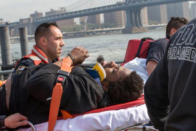 Πήδηξε από τη γέφυρα του Μπρούκλιν για να αυτοκτονήσει και σώθηκε | tanea.gr