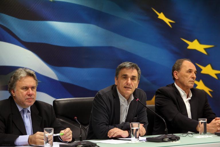 Αγώνας δρόμου ώς την Παρασκευή για κόκκινα δάνεια, ΕΚΑΣ, αποκρατικοποιήσεις | tanea.gr