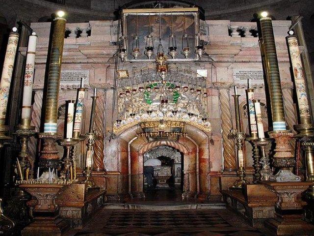 Ξεκίνησαν τα έργα αποκατάστασης του Παναγίου Τάφου   tanea.gr