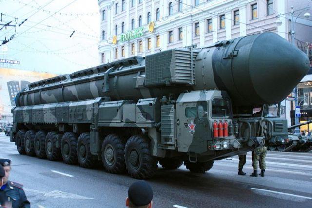 HΠΑ και Ρωσία μειώνουν αλλά και εκσυγχρονίζουν το πυρηνικό τους οπλοστάσιο   tanea.gr