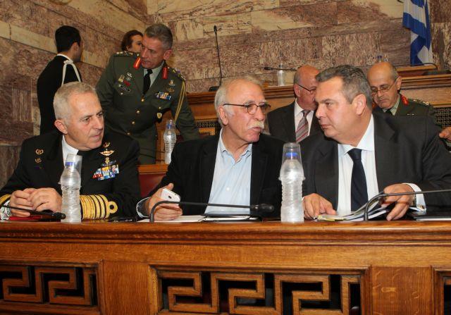 Ψηφίστηκε με ευρεία πλειοψηφία το νομοσχέδιο για τις Ένοπλες Δυνάμεις | tanea.gr