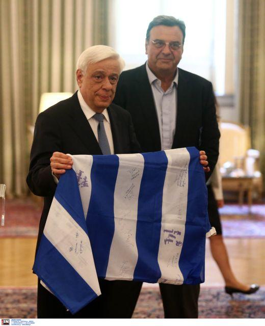 [Μικροπολιτικός] Ποιος «έκοψε» την Κορακάκη από το Προεδρικό | tanea.gr
