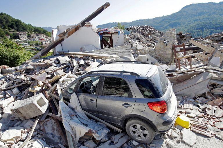 Ιταλία: Επίδοξος πλιατσικολόγος προσπαθούσε να διαρρήξει σπίτια | tanea.gr