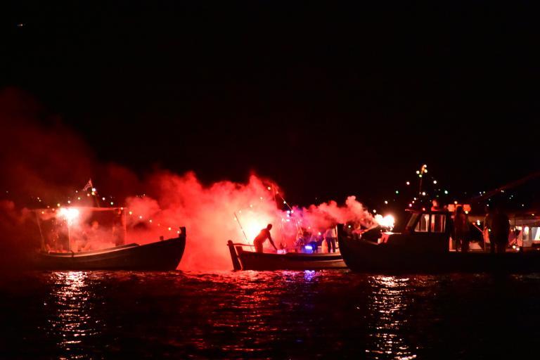 Φαντασμαγορική βραδιά στη Ναυτική Ναυπλιάδα | tanea.gr