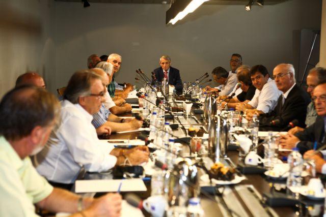 Αλλαγή θέσεων στο προεδρείο της ΕΠΟ, προς... σέντρα στο πρωτάθλημα | tanea.gr