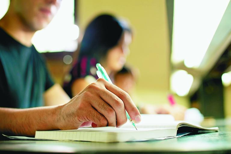 Τι αλλάζει από τη νέα σχολική χρονιά στο Γυμνάσιο   tanea.gr