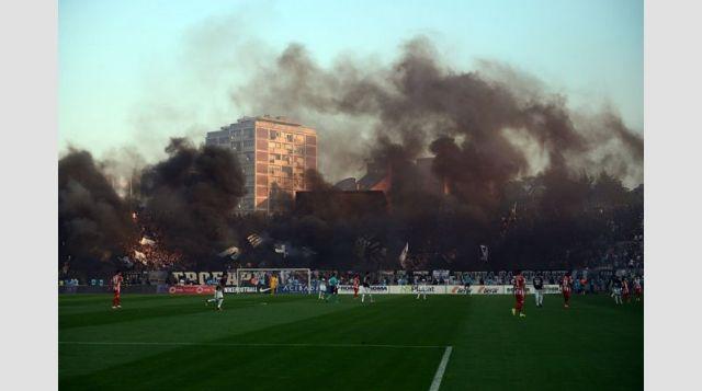 Βίαια επεισόδια με τραυματίες και συλλήψεις στο Βελιγράδι   tanea.gr