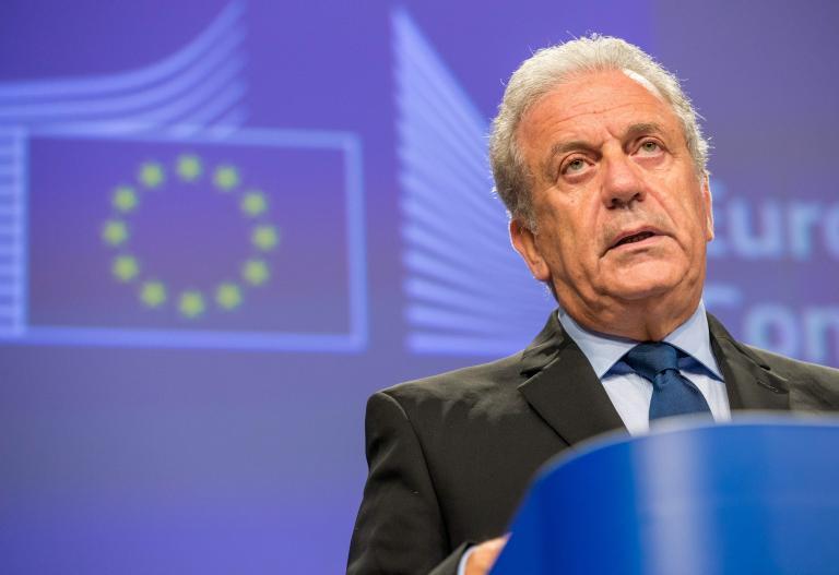 Επιστροφή μεταναστών από την ΕΕ στην Ελλάδα προανήγγειλε ο Αβραμόπουλος | tanea.gr
