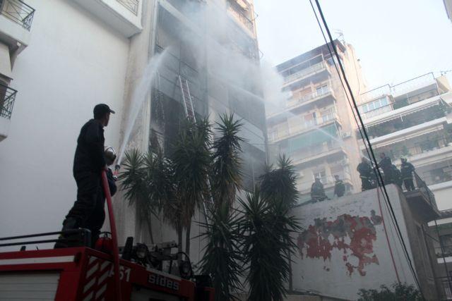 Πυρκαγιά σε πολυκατοικία στο Γαλάτσι | tanea.gr