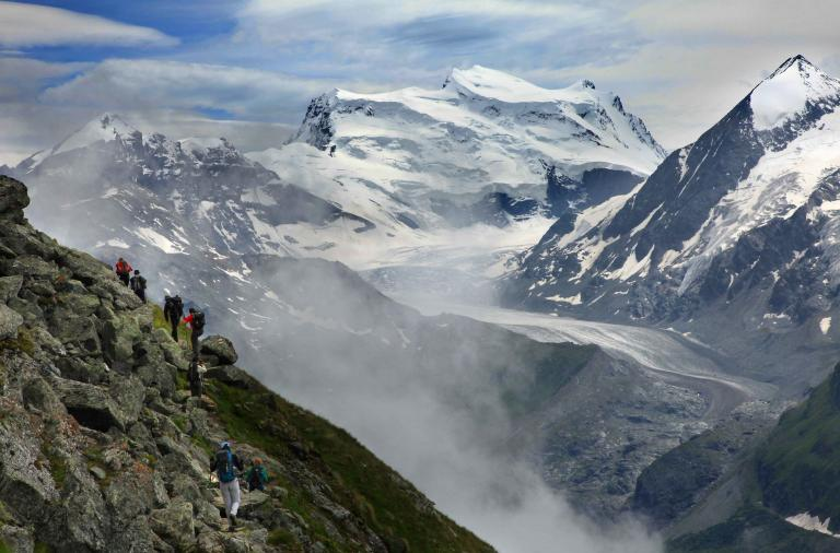 Γαλλία - Ελβετία με τα... πόδια! (video)   tanea.gr