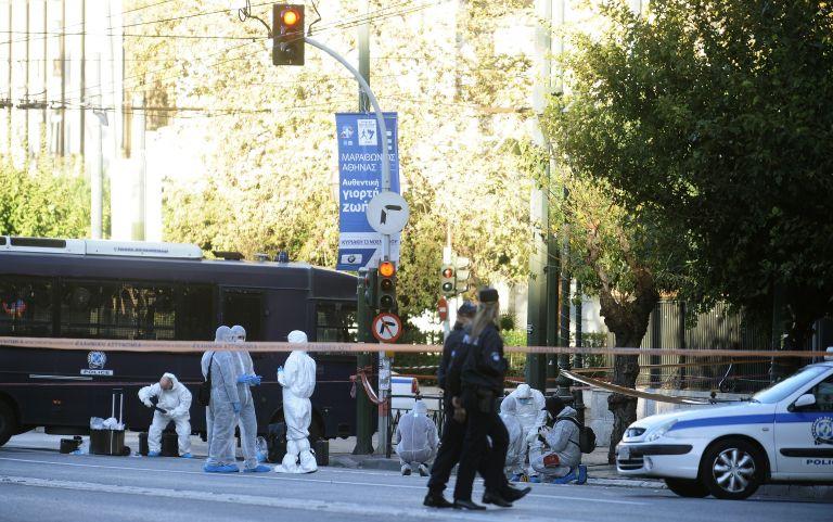 Επίθεση με χειροβομβίδα στη γαλλική πρεσβεία - Τραυματίσθηκε αστυνομικός | tanea.gr