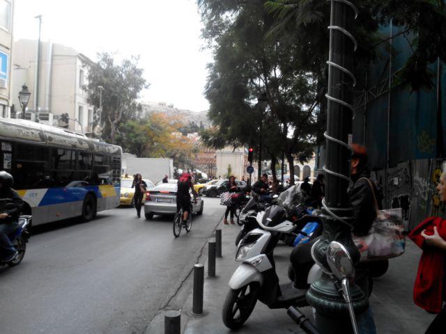 Ορθοπεταλιές #155 - Οι ποδηλατόδρομοι που έμειναν στο συρτάρι | tanea.gr