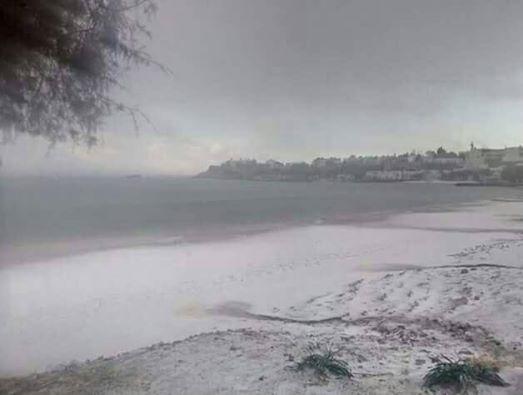 Ιεράπετρα: Χιόνι για πρώτη φορά στο Μακρύ Γιαλό | tanea.gr