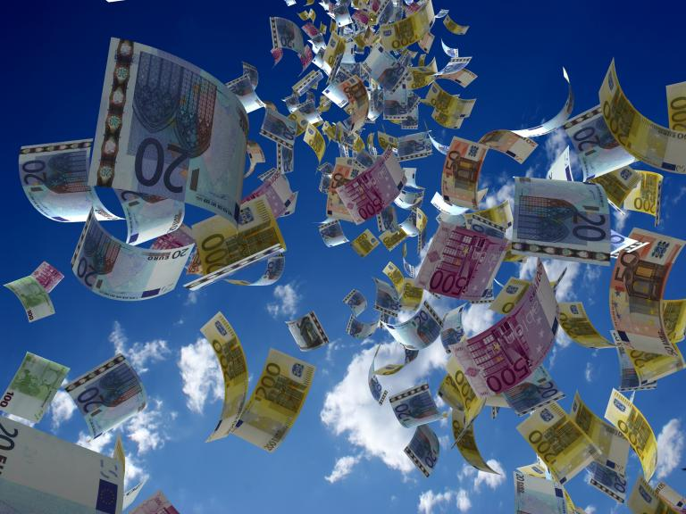 Ριφιφί για 3,6 δισ. ευρώ  στα χαμηλά εισοδήματα   tanea.gr
