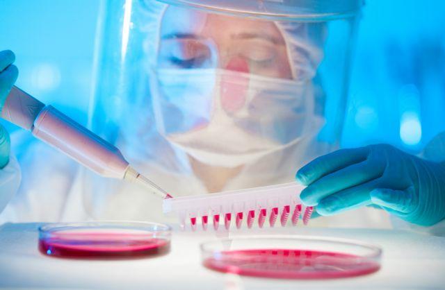Μέθοδος που εντοπίζει τα μολυσμένα από το AIDS κύτταρα δίνει ελπίδες για νέα θεραπεία | tanea.gr
