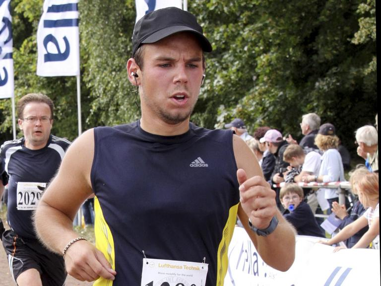Οργή των συγγενών των θυμάτων της αεροπορικής τραγωδίας της Germanwings | tanea.gr