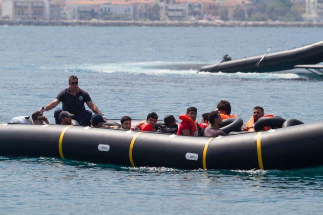 Σάμος: Εφθασαν 71 πρόσφυγες, συνελήφθη ο τούρκος διακινητής   tanea.gr