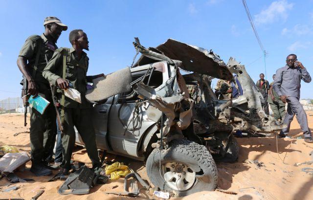Σομαλία: Δύο νεκροί από έκρηξη παγιδευμένου αυτοκινήτου   tanea.gr