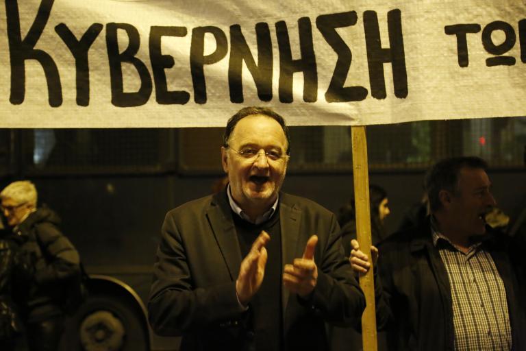 Για την κατάσταση στην Ουκρανία συζήτησαν Λαφαζάνης και ο Ουκρανός βουλευτής, Εβγένι Μπελίσκι | tanea.gr