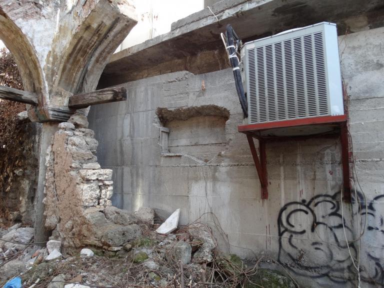 Βέροια: Τους έπιασαν την ώρα του «ριφιφί» σε κοσμηματοπωλείο   tanea.gr