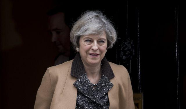 Μέι: Η Βρετανία κοντά στην καθοριστική στιγμή για το Brexit | tanea.gr