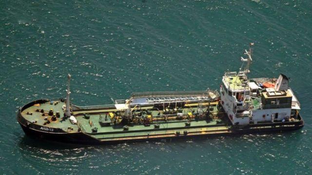 Οι πειρατές ελευθέρωσαν το πλοίο όταν έμαθαν πως το εκμίσθωσε Σομαλός | tanea.gr