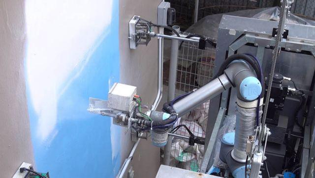 Ρομπότ βάφει και πλένει ψηλά κτίρια | tanea.gr