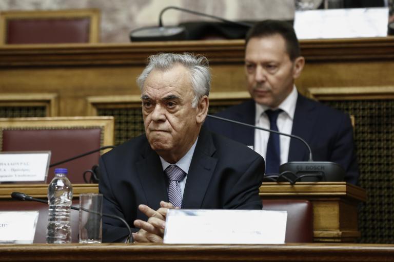 Η οικονομία θυσιάζεται  στον βωμό της εξουσίας | tanea.gr