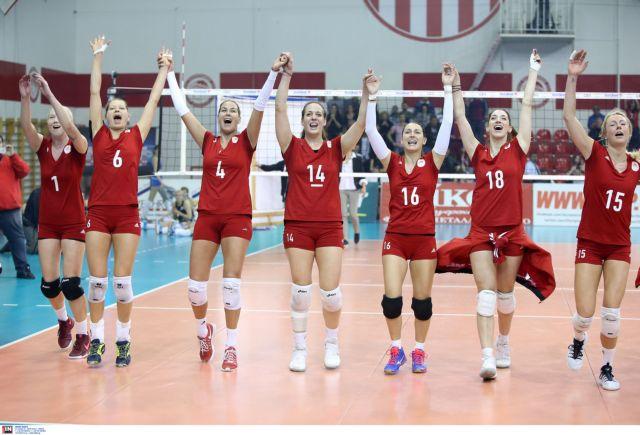 Βόλεϊ: «Καρφί» στον τελικό ο Ολυμπιακός, 3-1 την Γενισέι | tanea.gr