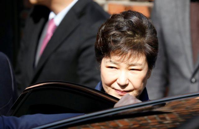 Νότιος Κορέα: Συνελήφθη η καθαιρεθείσα πρόεδρος Παρκ   tanea.gr