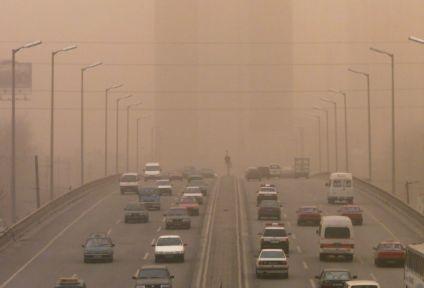 Η ατμοσφαιρική ρύπανση ευνοεί την εμφάνιση άνοιας | tanea.gr