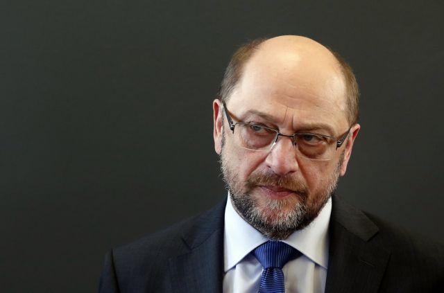 Σουλτς εναντίον Λεπέν για τις «αντιγερμανικές δηλώσεις»   tanea.gr