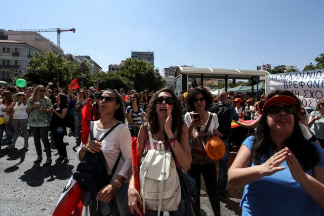 Πανικός στην κυβέρνηση  από τα χαστούκια της Θέμιδος | tanea.gr