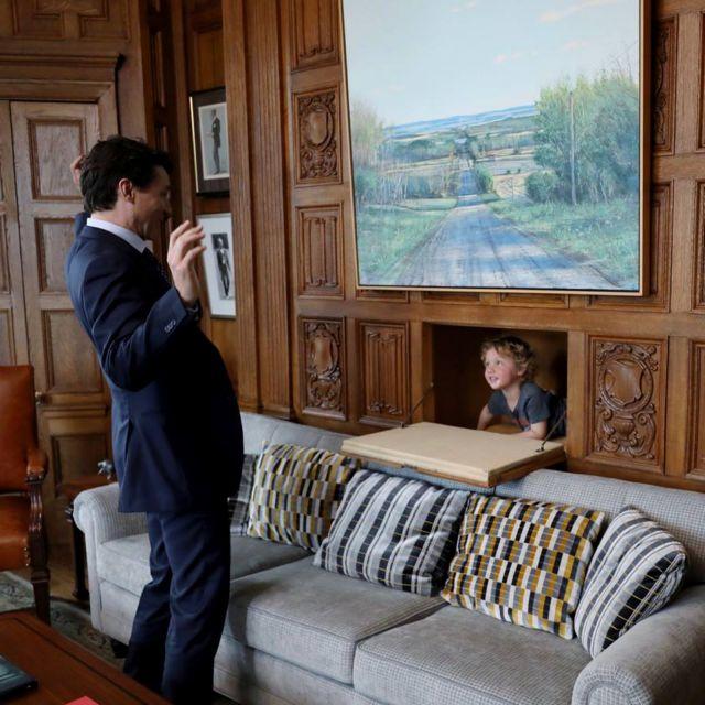 Τι συνέβη όταν ο καναδός πρωθυπουργός πήρε τον γιο του στη δουλειά   tanea.gr