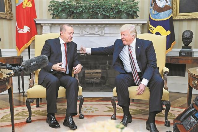 Δύο αυταρχικοί πρόεδροιπου αλληλοσυμπαθιούνται | tanea.gr