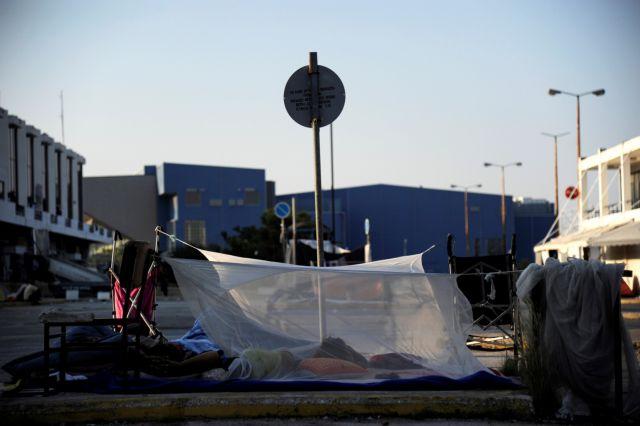 Εκκενώθηκε το πρώην αεροδρόμιο στο Ελληνικό από πρόσφυγες | tanea.gr