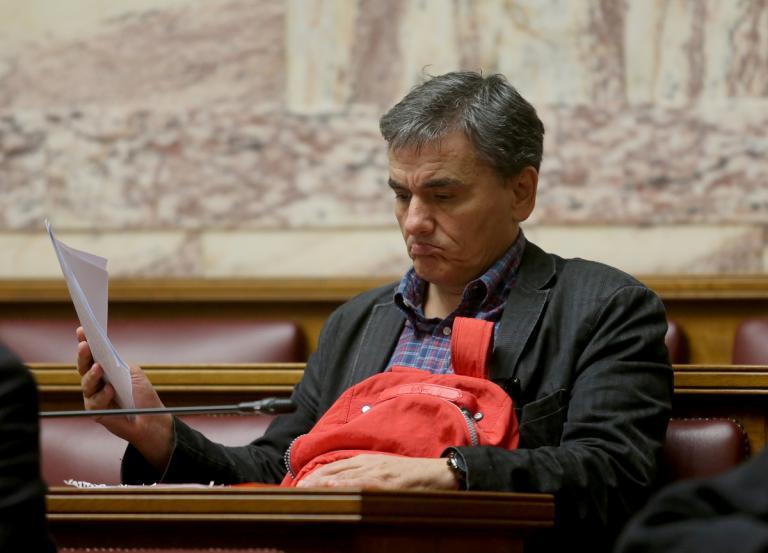 Σε απόγνωση οι βουλευτές για την «ήττα διαρκείας»   tanea.gr