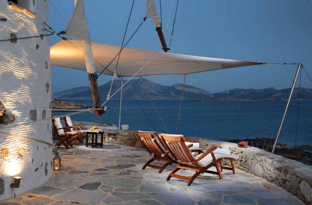 Βουλιάζουν από τουρίστες τα νησάκια της άγονης γραμμής | tanea.gr