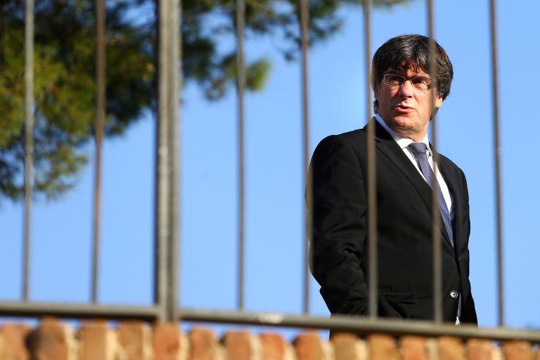 Καταλωνία: Ο Πουτζντεμόν καλείται να απαντήσει αν κήρυξε ανεξαρτησία ή όχι   tanea.gr