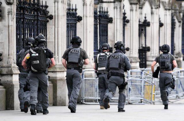 MI5: Η Βρετανία αντιμέτωπη με τη σοβαρότερη απειλή στην ιστορία της | tanea.gr