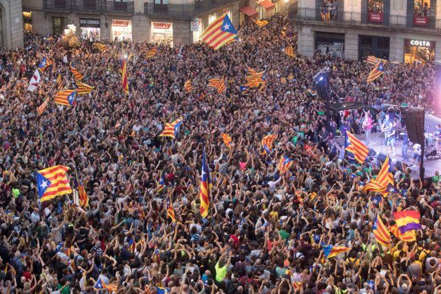 Σκωτία: Κατανοούμε και σεβόμαστε τη θέση της καταλανικής κυβέρνησης | tanea.gr