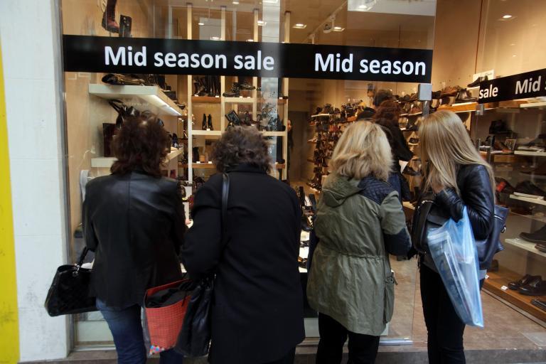 Ανοιχτά τα καταστήματα την Κυριακή | tanea.gr