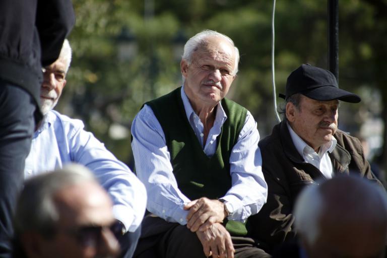 Πώς θα γίνει η επιστροφή χρημάτων στους συνταξιούχους | tanea.gr