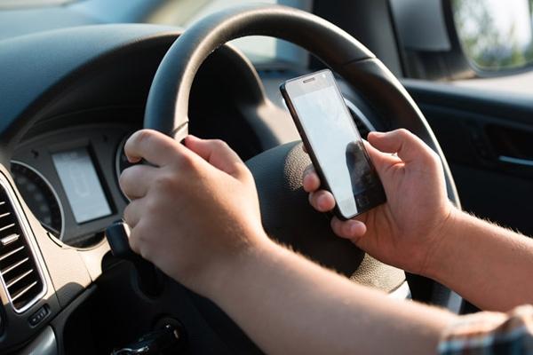 Ποιες είναι οι επικίνδυνες συμπεριφορές των Ελλήνων οδηγών   tanea.gr