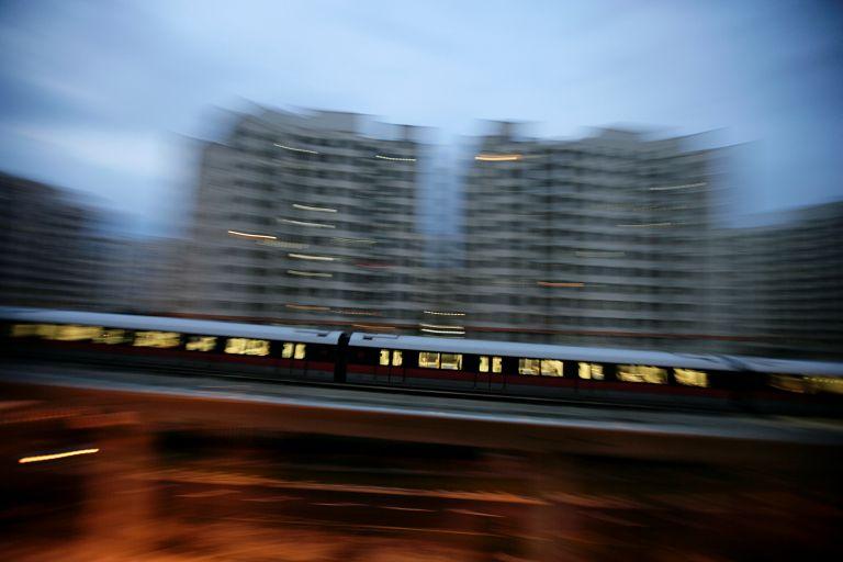 Του έκλεψαν στο τρένο βαλίτσα γεμάτη με ρουμπίνια | tanea.gr